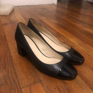 Cole Haan black pumps Leather w patent leather toe